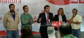 Guillermo Fernández Vara presenta más de 7.000 avales para las primarias