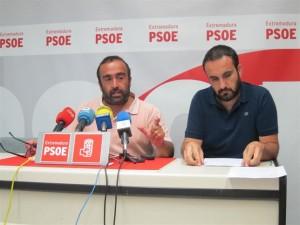 Miguel Ángel Morales en rueda de prensa junto a Eduardo Bejar (Europa Press)
