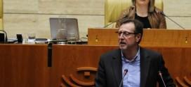 La Asamblea aprueba la propuesta del PSOE extremeño de reducir de 16 a 10 los festivos del comercio