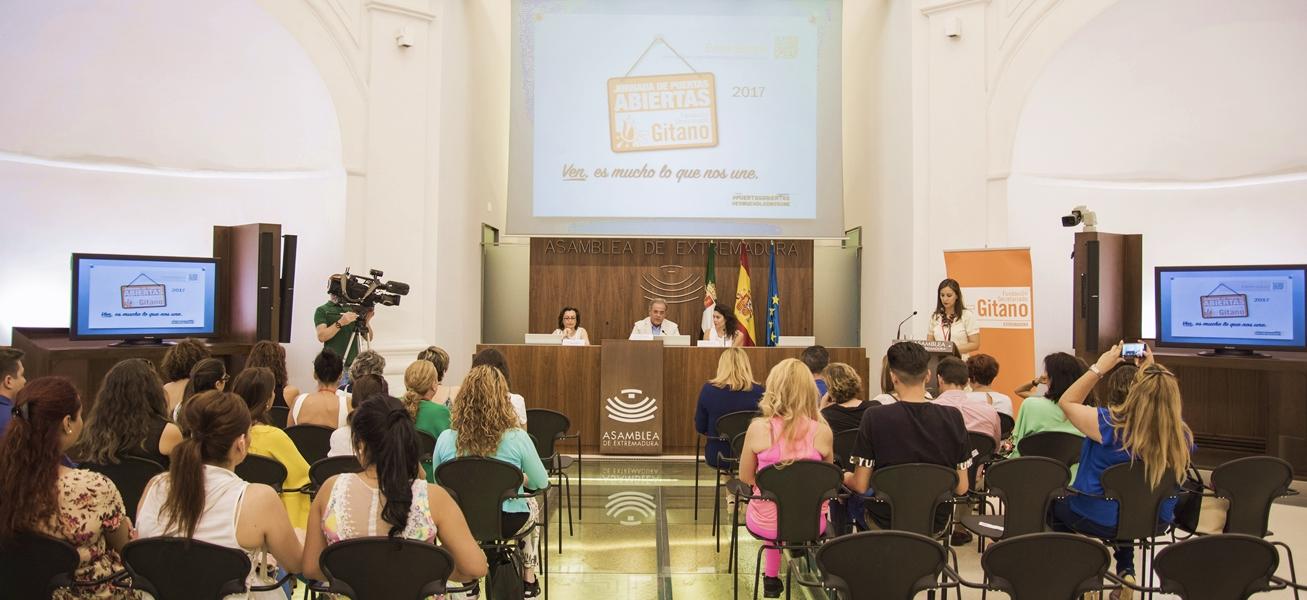 La Fundación Secretariado Gitano hace balance de su actividad en la Asamblea de Extremadura