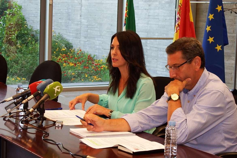 """Esther Gutiérrez: """"En Extremadura están trabajando 154.900 mujeres, cifra que no se daba desde 2011"""""""