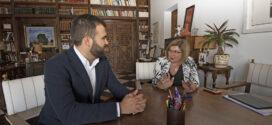 """Charo Cordero y Luis Salaya se reúnen para poner las bases de una relación de """"cooperación solvente"""" entre ambas instituciones"""
