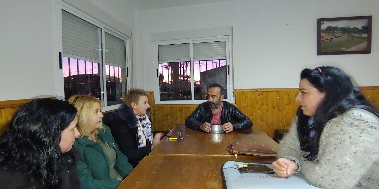 Miguel Ángel Morales se reúne con la nueva agrupación socialista de Saucedilla