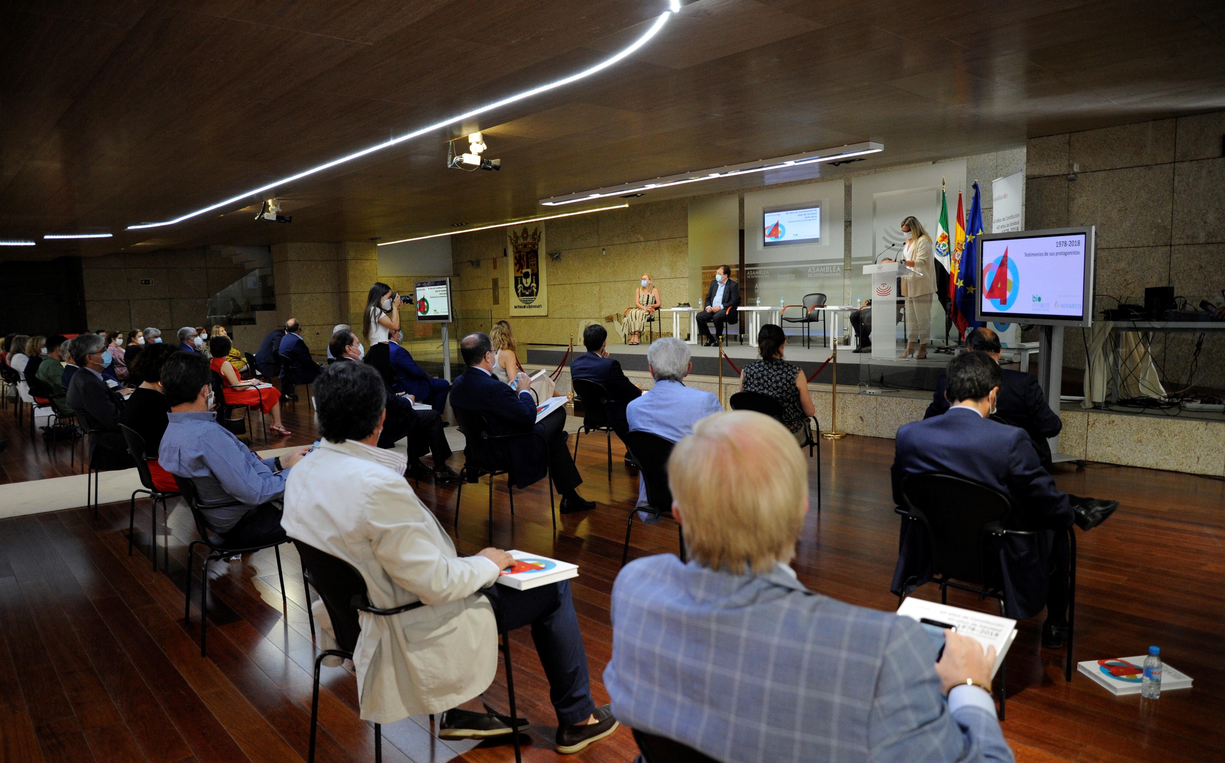 Blanca Martín reivindica el papel de la Constitución y el valor de la sanidad pública como fortaleza del país