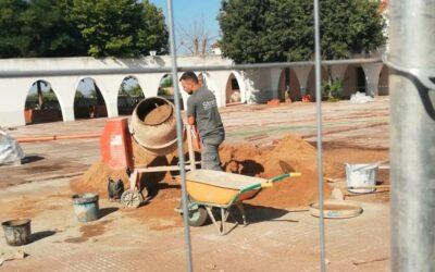 Iniciadas obras de accesibilidad en Valdesalor y la remodelación de la Plaza de España Rincón de Ballesteros